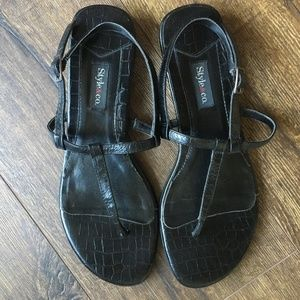 Style & Co. Black Leather Thong Sandals 8M